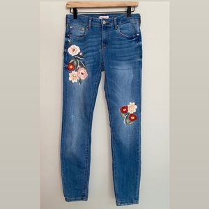 Zara Floral Embroidered Skinny Jeans size 6